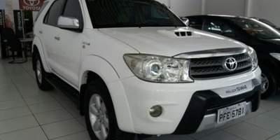 Toyota hilux 3 0 srv 4x4 7 lug 2010 2011 blindada